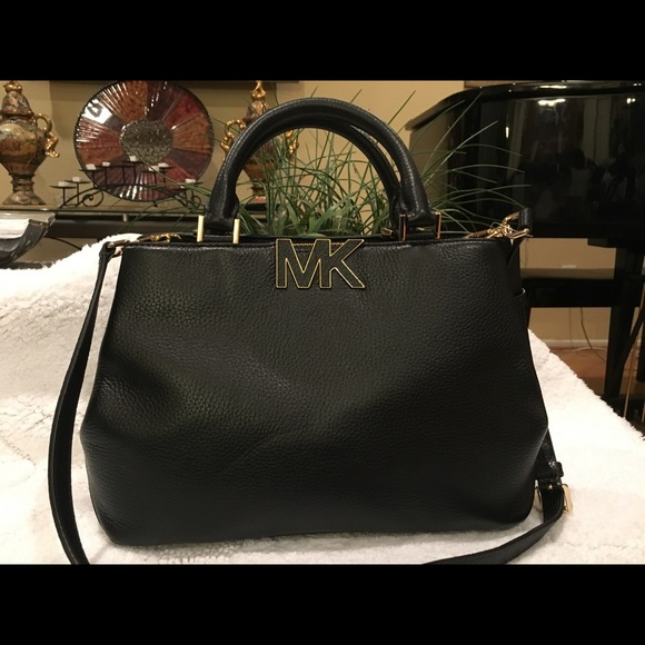 8afc7f59af55 Michael Kors Bags | Florence Bag | Poshmark